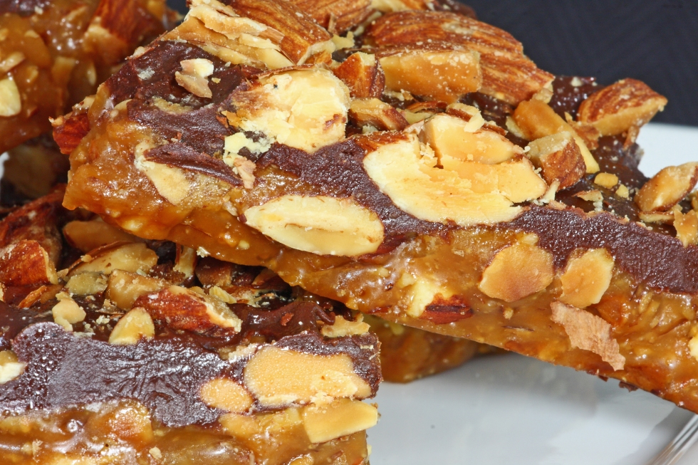 chocolate almond coconut toffee